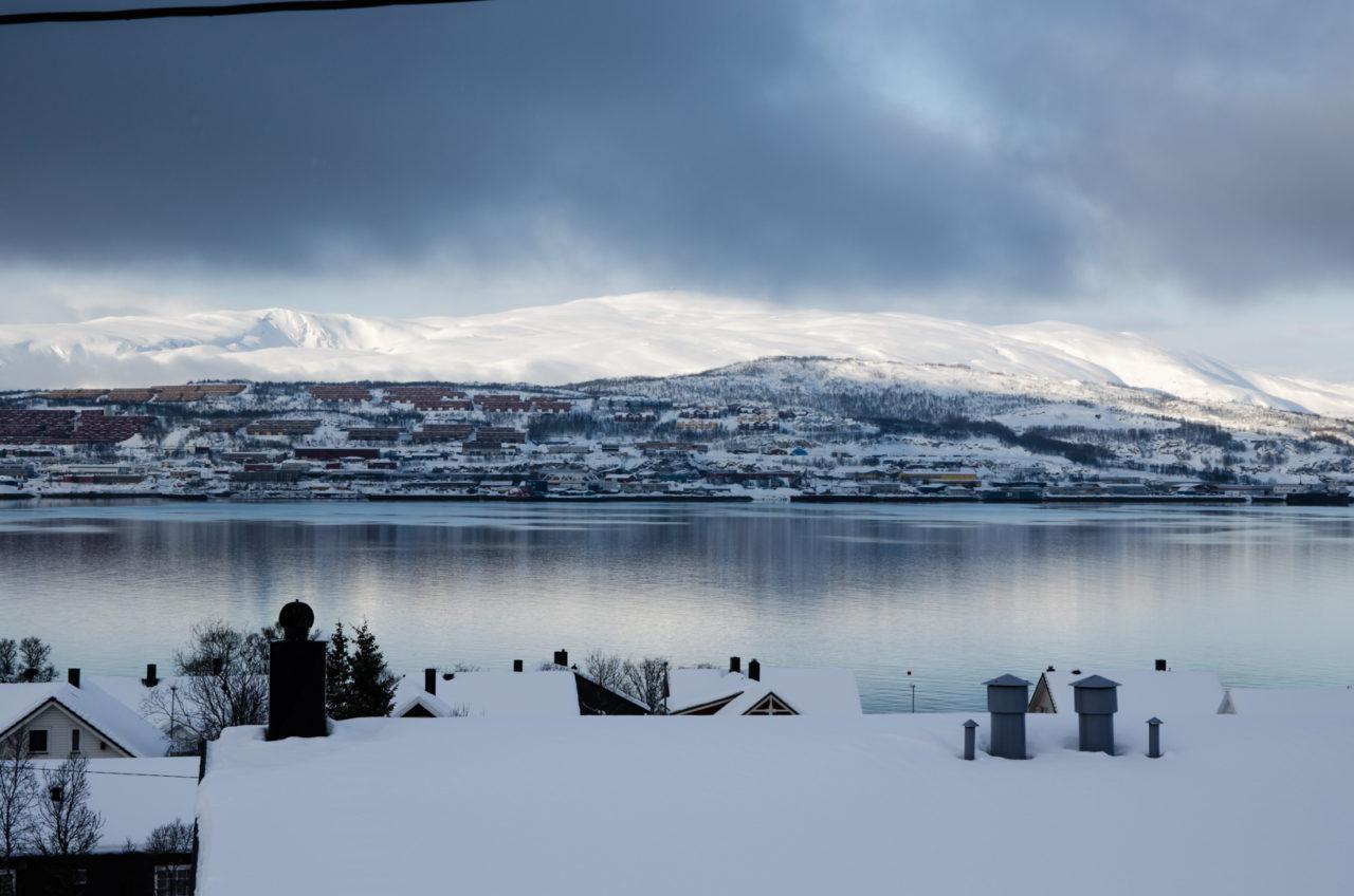 Výhľad na mesto u našej hostiteľky v Tromse