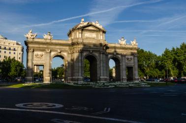 Brána Puerta de Alcala