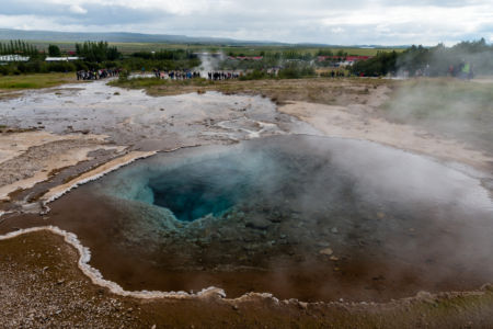 Geotermálny prameň