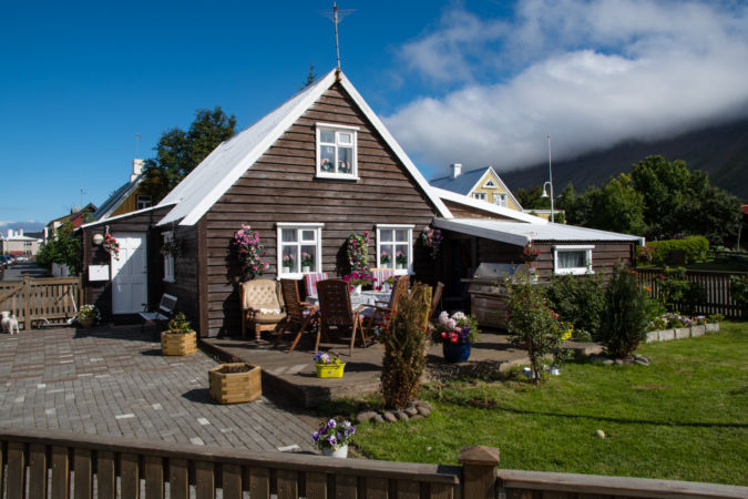 Isafjordur, rodinný domček