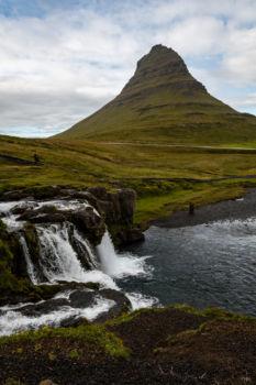 Obľúbený pohľad na vrch Kirkufell, podobných fotiek sú stovky